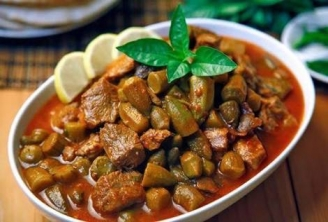 Okra with beef and white rice