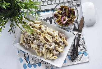 Creamy Chicken and Mushroom Pasta with Beans Salad
